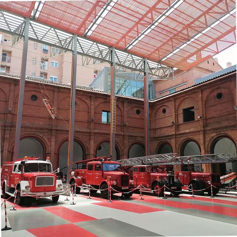 El Museo del Fuego y los Bomberos comprende el recinto del claustro, con sus fachadas interiores, del antiguo Convento de los Mínimos de la Victoria