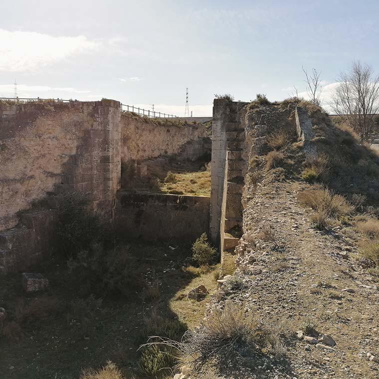 ruenas de las antiguas esclusas de valmadrid