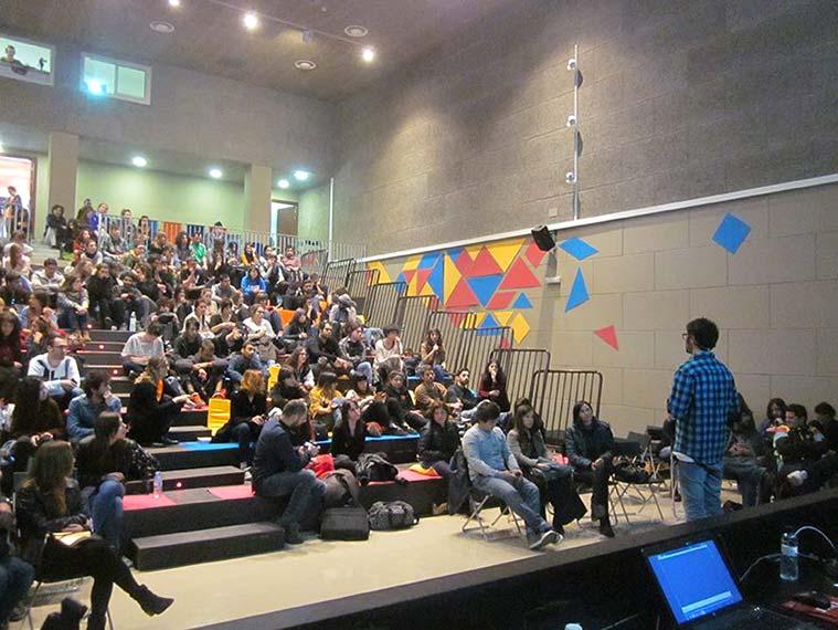 Salón de actos de la Escuela de Arte de Zaragoza