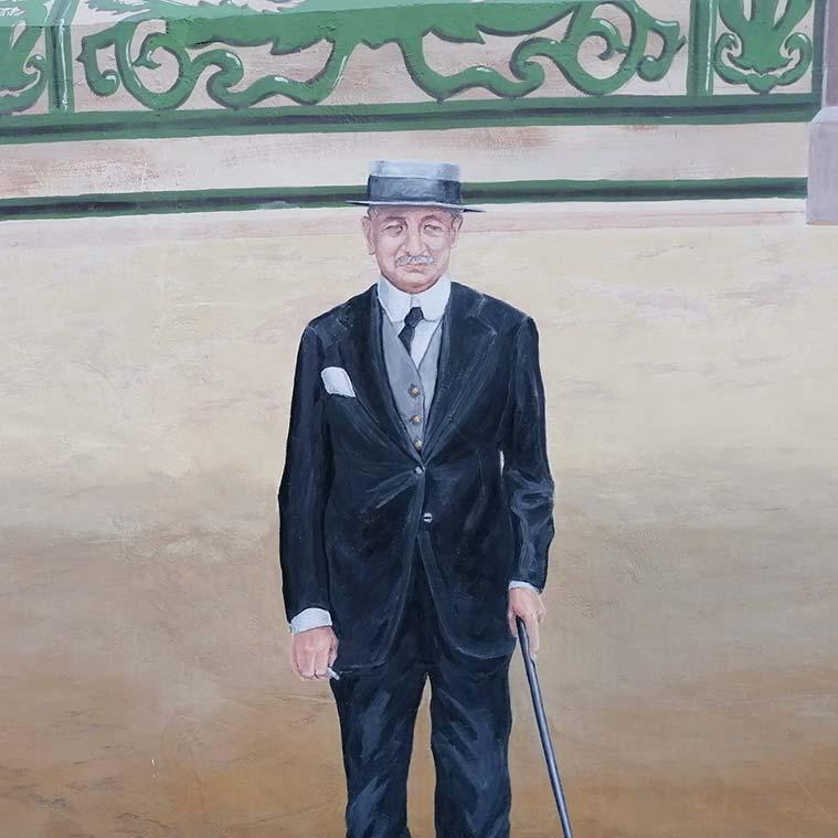 senor mayor en el mural de la Puerta del Duque de la Victoria en la Plaza de San Miguel de Zaragoza
