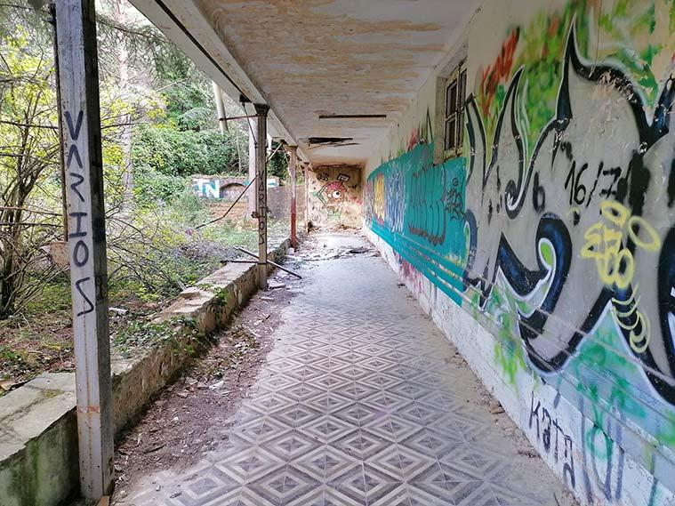 cada habitación tenía una salida a la terraza, donde los enfermos cumplían el reposo al aire libre