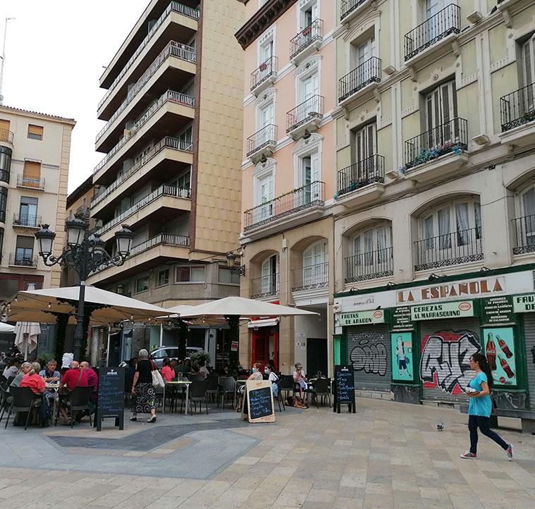 Vista de la Plaza de Sas desde la Calle Alfonso I