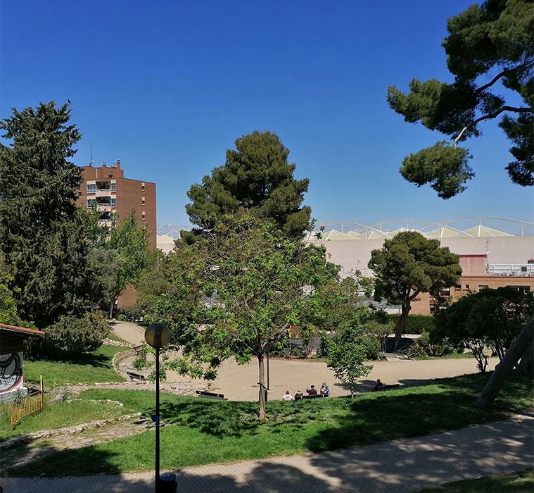 vista de la avenida navarra desde el parque palomar