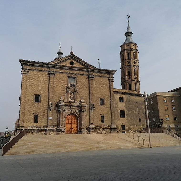 vista de la iglesia de san juan de los panetes de zaragoza