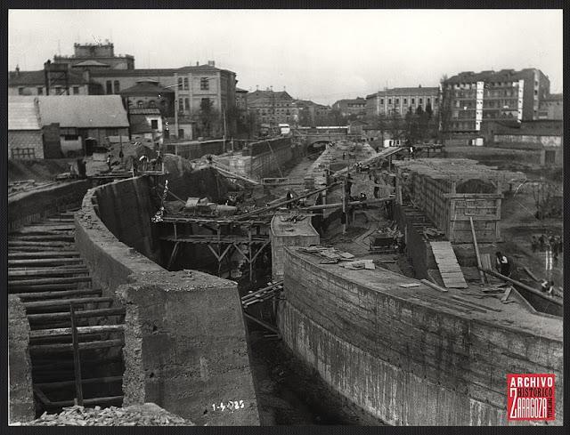 Obras de cubrimiento del río Huerva en 1925 (Imagen: Archivo Histórico de Zaragoza)
