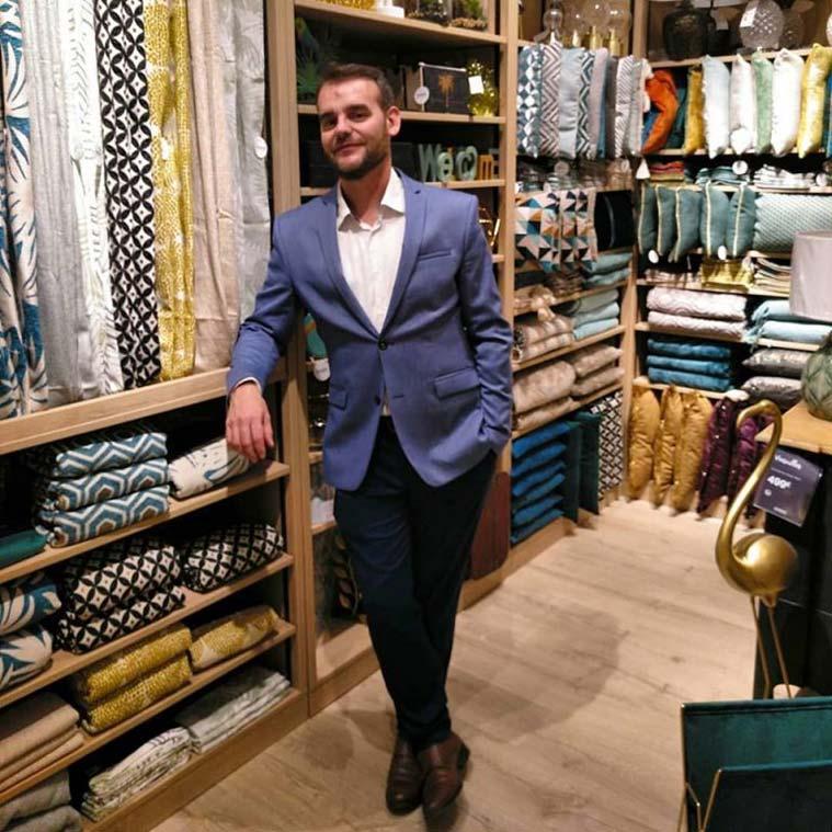 Entrevista a Nacho Viñau Ena, experto en decoración y en protocolo y redactor freelance
