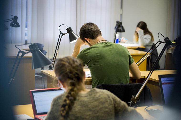 Sala de Estudio y Lectura de la Biblioteca José Sinués