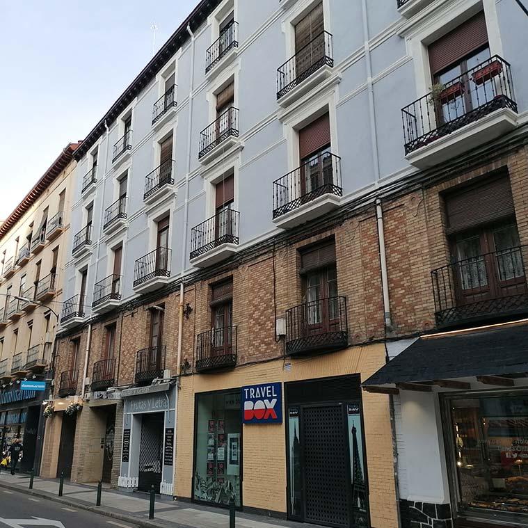 edificios historicos en la calle bilbao