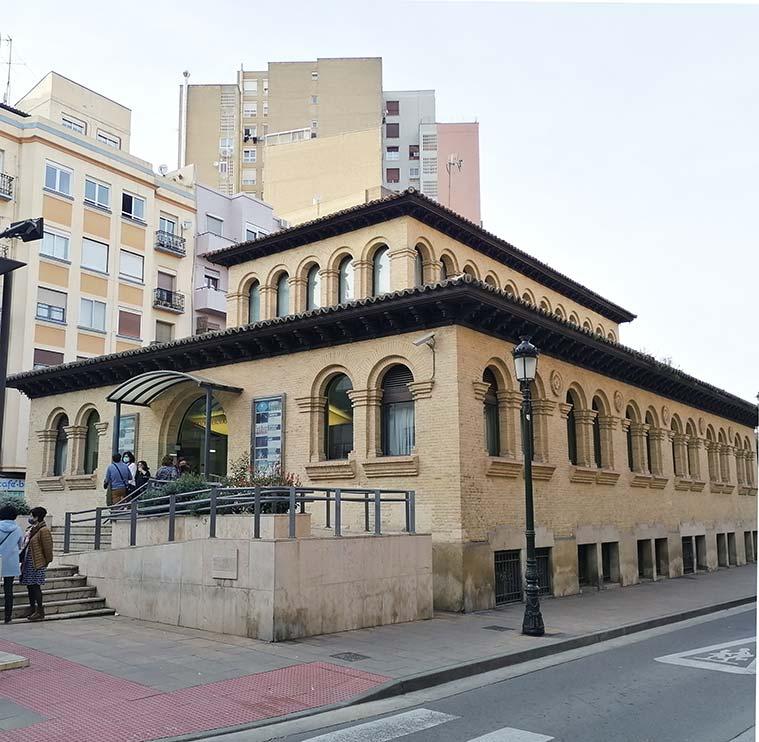 entrada del Teatro del Mercado de Zaragoza