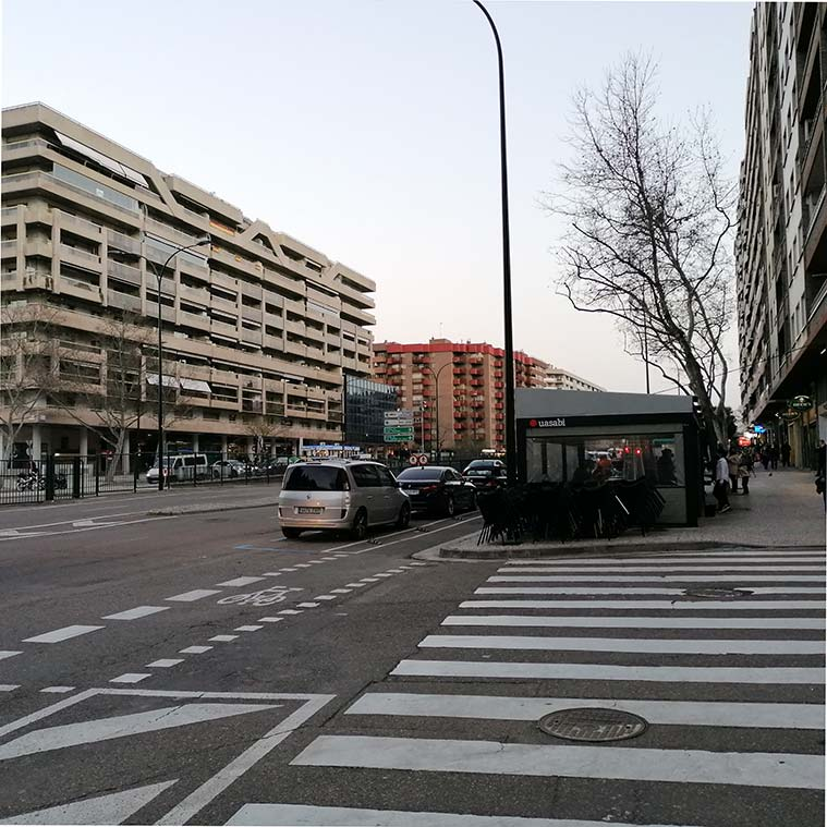 esquina de la avenida Cesáreo Alierta con la calle San Vicente Mártir