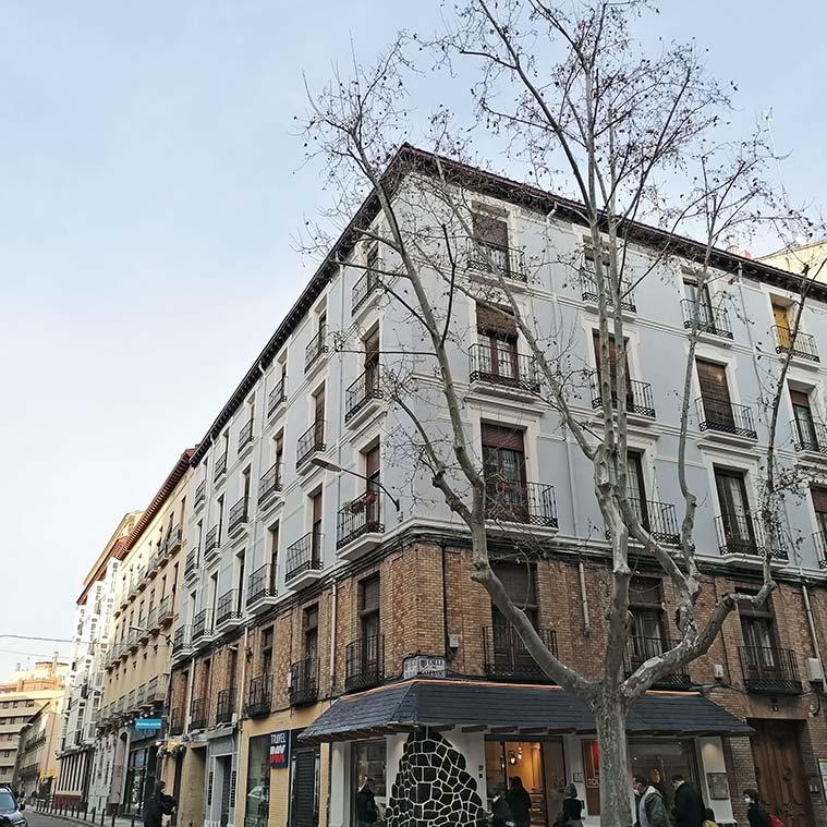 la calle bilbao de zaragoza en su interseccion con la calle canfranc