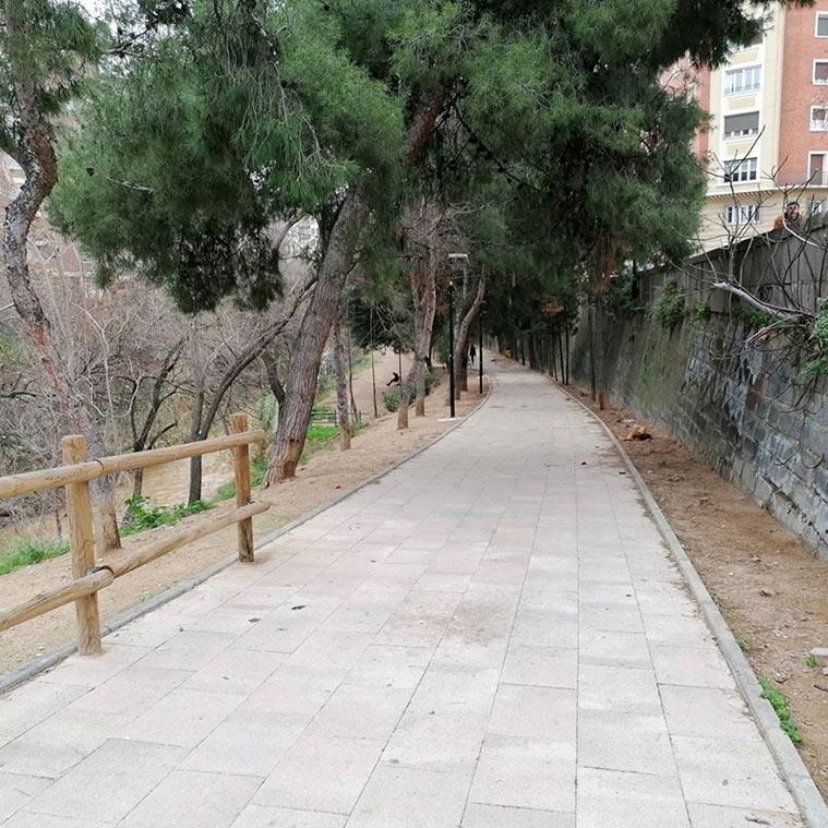 parque en el rio huerva de zaragoza