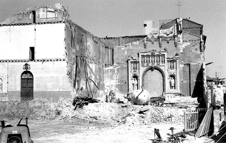 Derribo de la antigua Universidad de la Magdalena en 1968