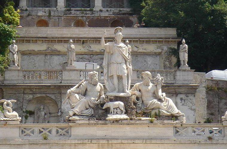 La fuente de la diosa Roma y la terraza del Pincio en Roma (Italia)