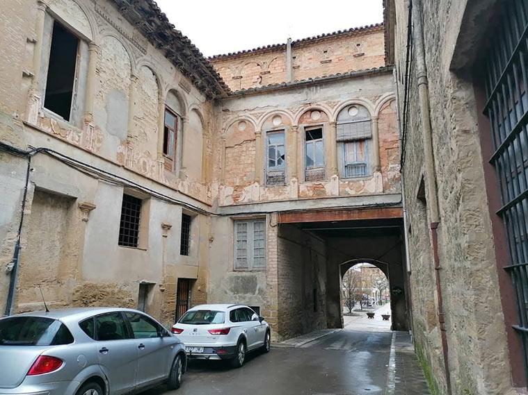 El antiguo patio del Palacio de los Marqueses de Urriés o de Ayerbe