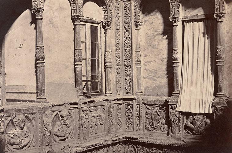 Así se veía el Patio de la Infanta una mañana de 1860. La imagen fue tomada por Charles Clifford, un fotógrafo galés que desarrolló su carrera profesional en España.