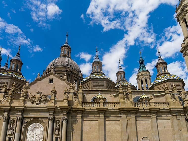Exterior de la Basilica del Pilar de Zaragoza
