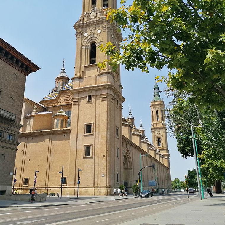 Vista de la Basílica del Pilar desde el Paseo Echegaray y Caballero