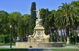 Fuente de Neptuno en el Parque Grande de Zaragoza