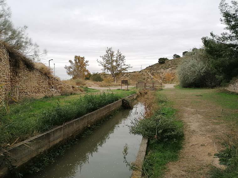 En las esclusas de Valdegurriana acaba el sueño de construir un canal navegable que llegase hasta el Mediterráneo, pues el terreno era muy permeable y no lo permitía.