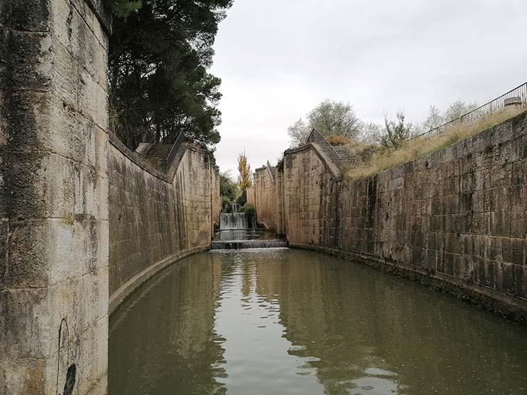 Esclusas de Valdegurriana del Canal Imperial de Aragon