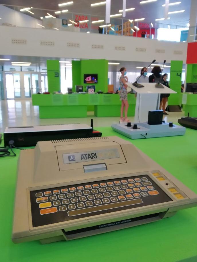 Exposición 'Consolas, democratizar la imagen digital 1972-2003' en Etopia Centro de Arte y Tecnología