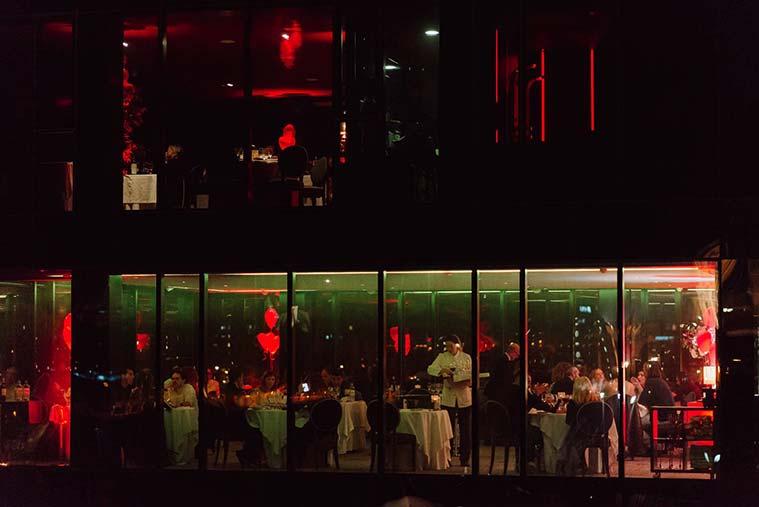 restaurante river hall