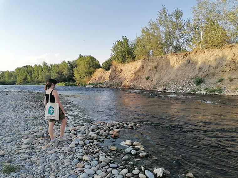 El río Gállego deposita, en su tramo, gran cantidad de sedimentos que ha transportado desde el Pirineo