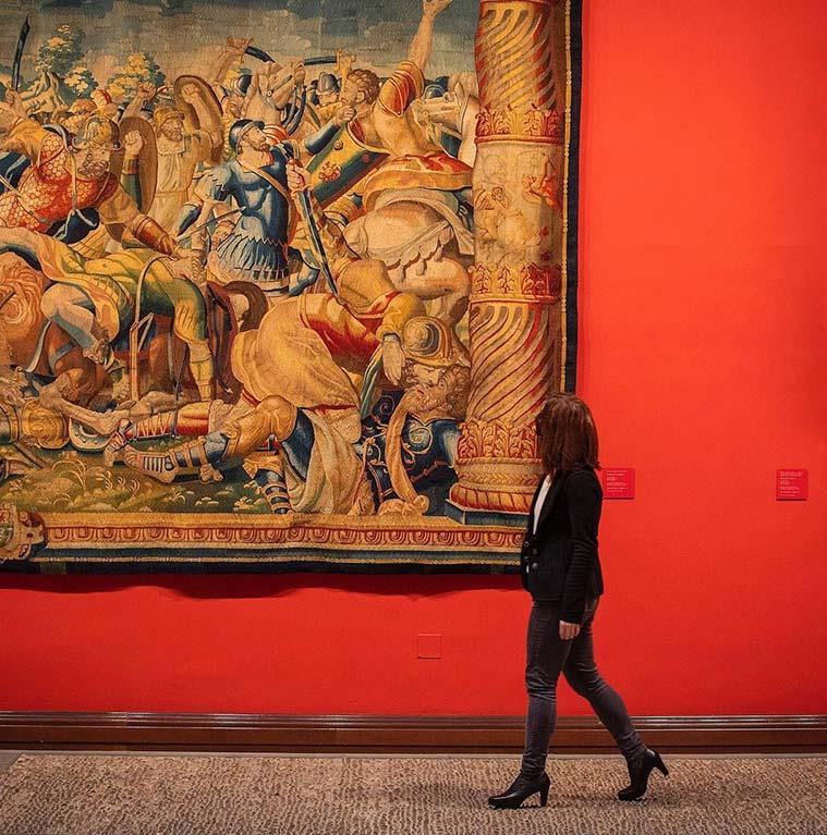 Los ocho tapices son de carácter mitológico y bíblico, son del siglo XV al XVII, se realizaron en Flandes y Bruselas, y Rubens figuran entre los cartonistas