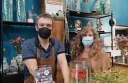 David Navarro en su floristeria El Buen Jardinero