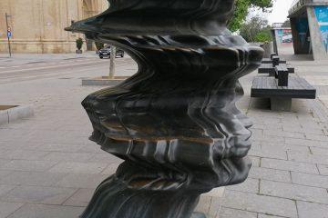 Escultura Wild Relative Pariente Salvaje de Tony Cragg Zaragoza