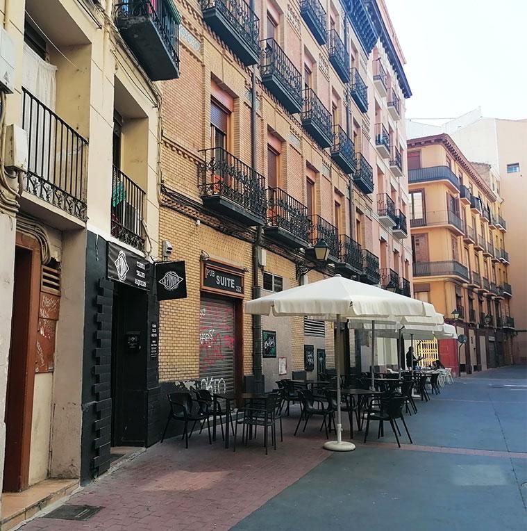 La Calle Prudencio con la Calle la Virgen al fondo de la imagen