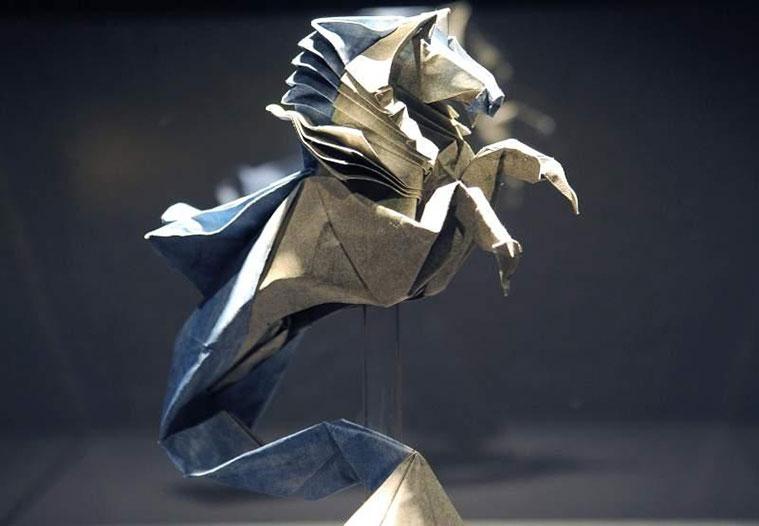 Obra de papel en la Escuela Museo Origami de Zaragoza