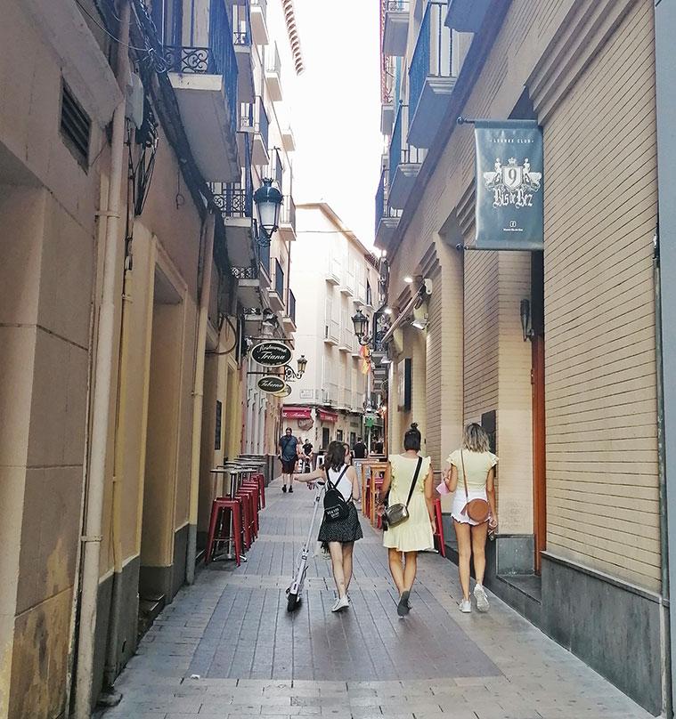 Primeros metros de la Calle Estébanes