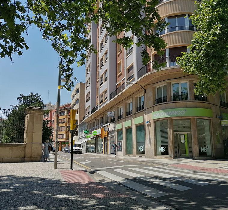 Vista de la Calle Doctor Cerrada desde el Paseo de Pamplona