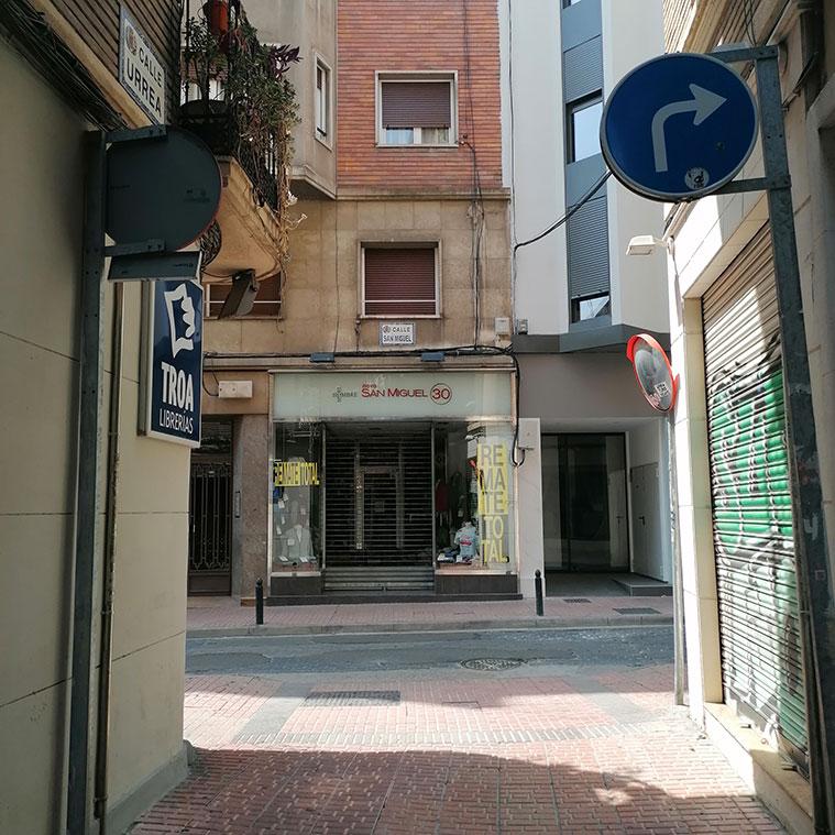Vista de la Calle San Miguel desde la Calle Urrea