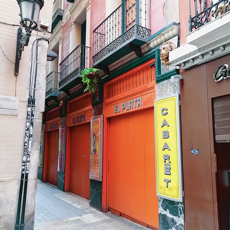 Vista del Café-Cantante El Plata desde la Calle Cuatro de Agosto del Tubo