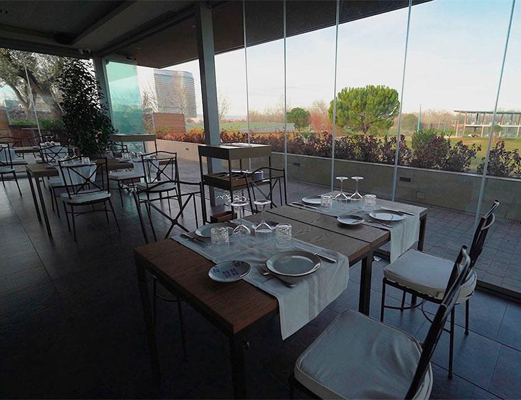 comedor del restaurante terraza Espacio Emboca en el Parque del Agua
