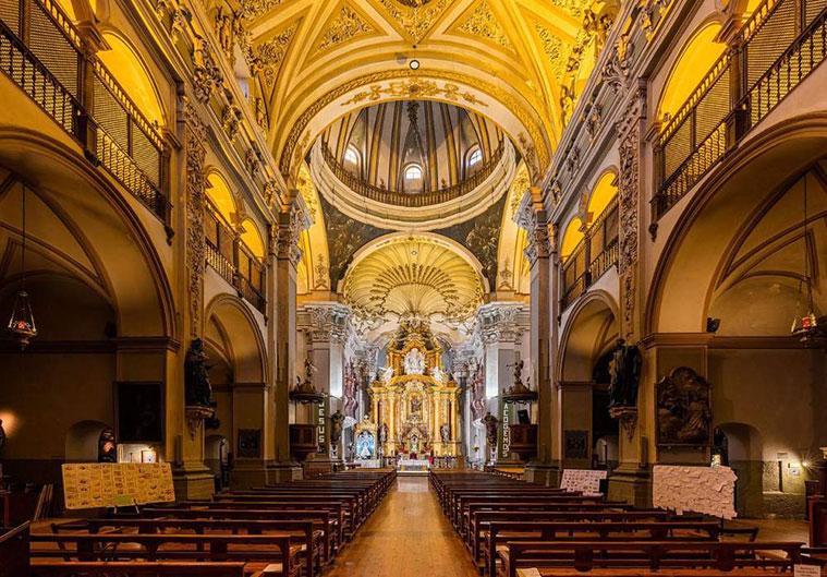 En las pechinas de la cúpula principal de la iglesia de San Juan el Real Calatayud, Goya representó representó a San Gregorio, San Ambrosio, San Agustín y San Jerónimo: los cuatro Padres de la Iglesia