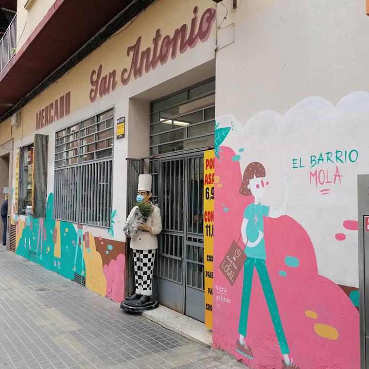 El Mercado San Antonio (número 53), donde luce un mural obra de la artista Vera Galindo