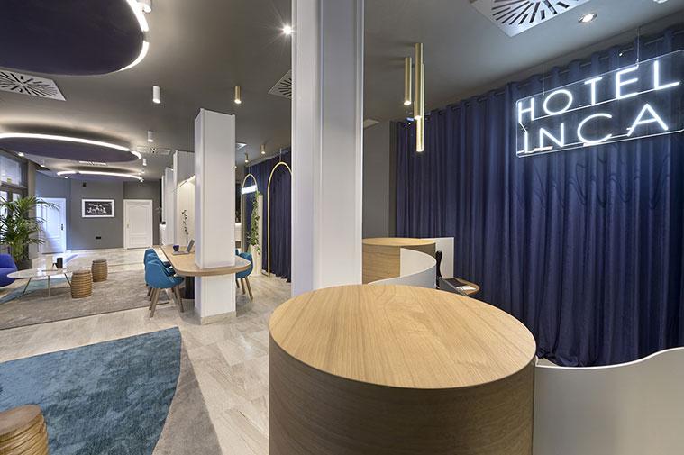 Diseño sofisticado y neones en el lobby del Hotel Boutique Inca
