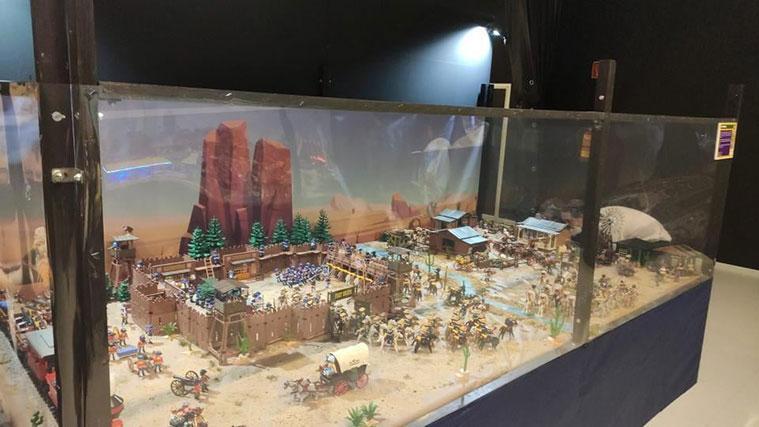 El diorama dedicado al oeste en la exposición de clicks de playmobil