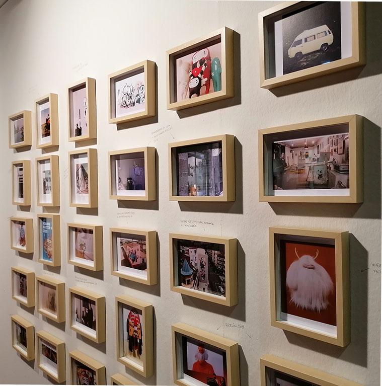 Ilustraciones en la expo 'Un universo de dos' de Twee Muizen en el Centro de Historias
