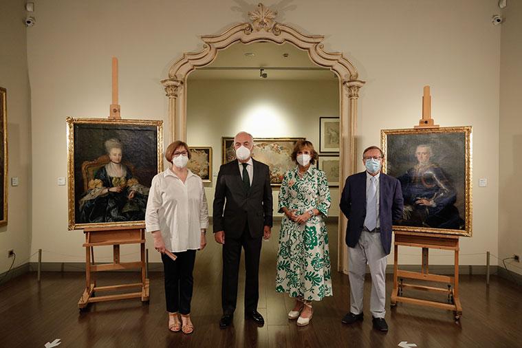 Rosario Añaños, directora del Museo Goya; José Luis Rodrigo, director general de Fundación Ibercaja; Mayte Ciriza, jefe del Área de Cultura de Fundación Ibercaja, y Arturo Ansón, autor del estudio histórico de los cuadros.