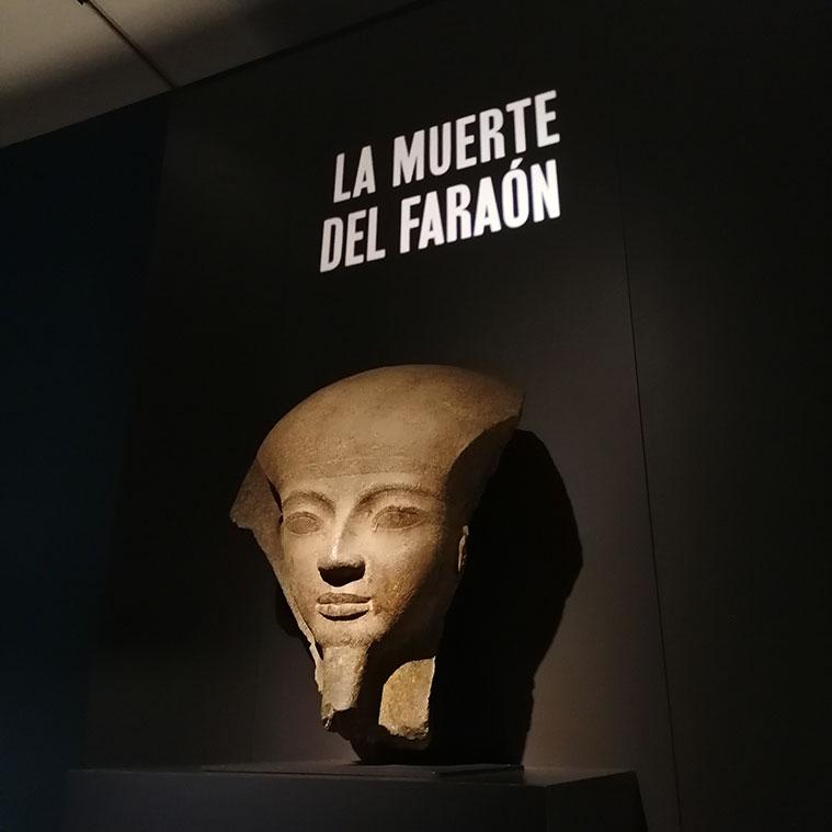 La muerte del faraón en la exposición 'Faraón. Rey de Egipto', en CaixaForum Zaragoza