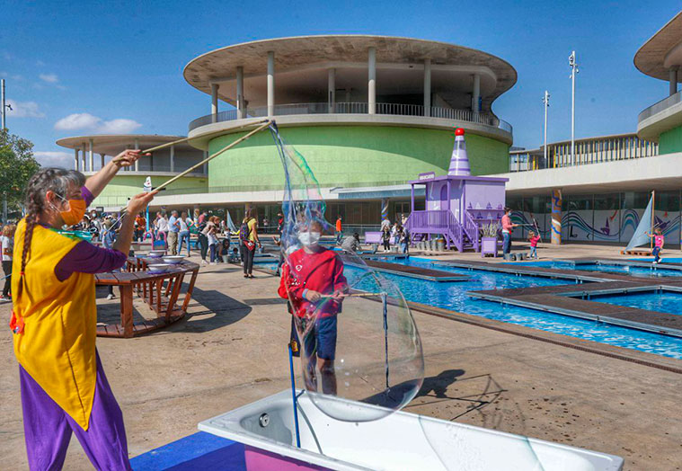 Espacio Río y Juego en el Frente Fluvial de la zona Expo